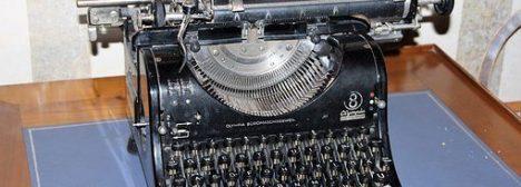 typewriter-1790006__340